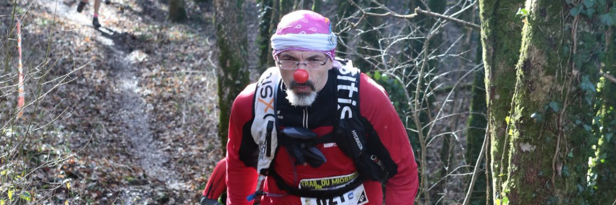 Coureur au nez de clown Trail du Miosson 2017