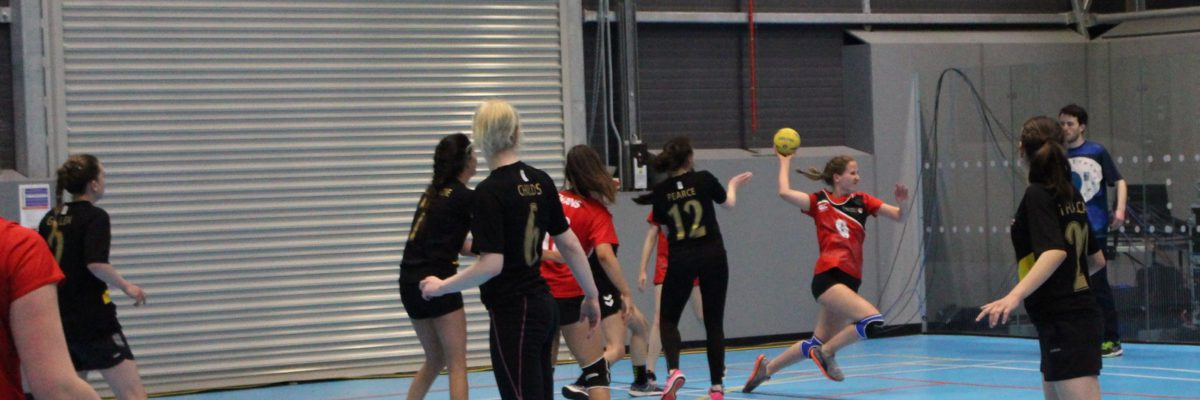 Tir en suspension handball