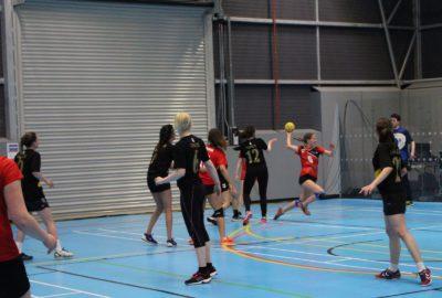 Tir en suspension handball